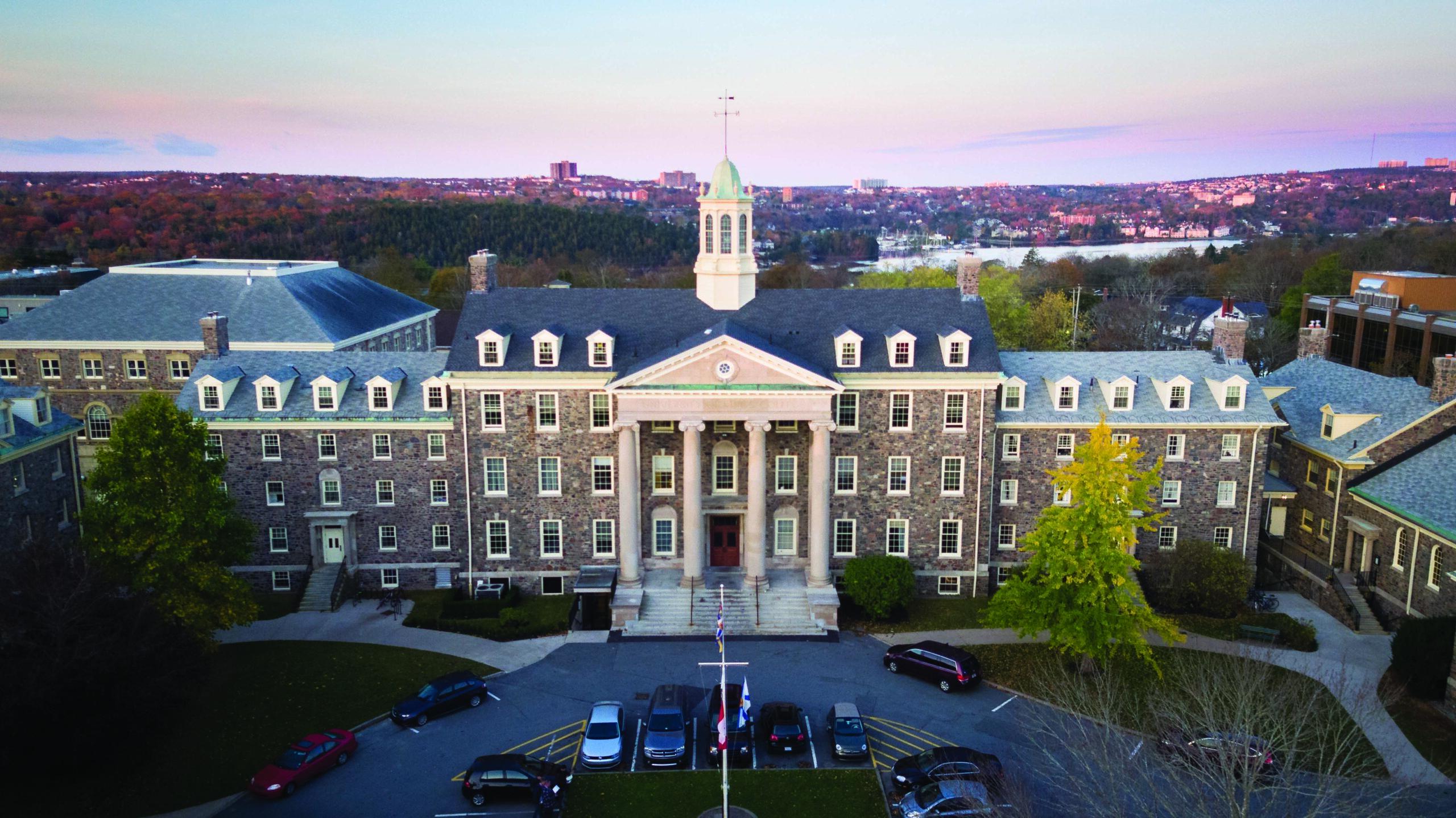 Nearly Naked Mile 2017   Koenig Alumni Center   University